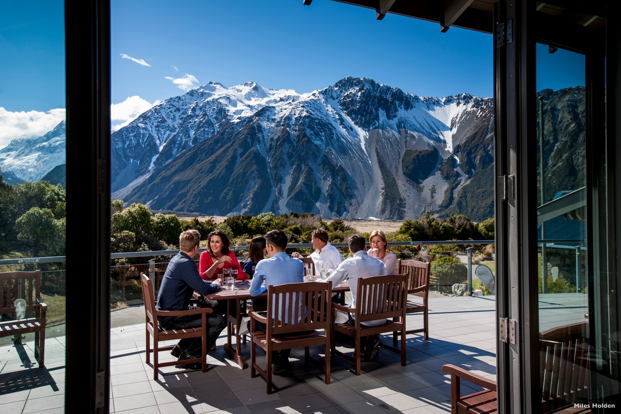 h202-hermitage-hotel-mount-cook-national-park-canterbury-miles-holden